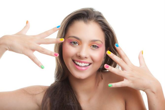 Trikove i cake za šminkanje tinejdžerke danas pronalaze na profilima bjuti blogerki, koje imaju veliki uticaj na njih