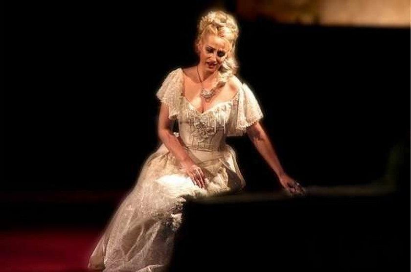 Śpiewaczka się zabiła, bo wyrzucili ją z opery