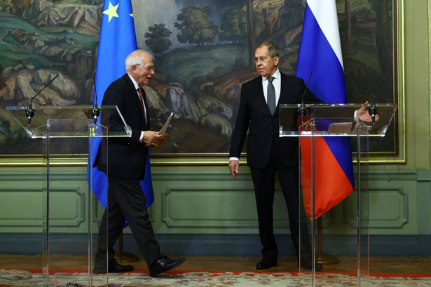 Josep Borrell podczas konferencji prasowej z Siergiejem Ławrowem, szefem rosyjskiej dyplomacji, nie poruszył kwestii wydalenia z Rosji przedstawicieli państw unijnych.