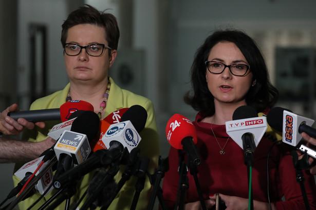Będziemy wnioskowali do marszałek Sejmu Elżbiety Witek o pilne zwołanie komisji sprawiedliwości i praw człowieka w tym temacie - zapowiedziała na wtorkowej konferencji prasowej posłanka KO Kamila Gasiuk-Pihowicz.