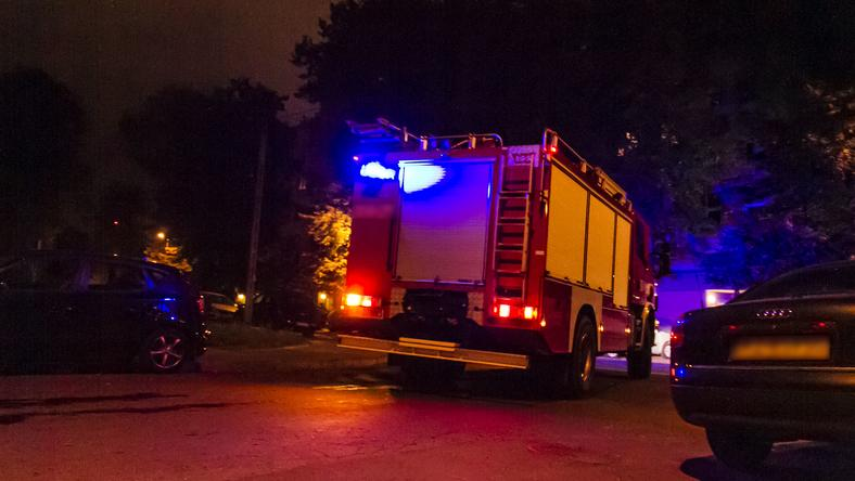 Strażacy zostali wezwani w nocy do budynku na ulicy Staszica w Wejherowie