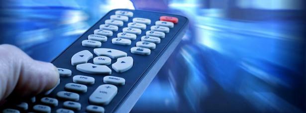 Telewizja na pewno się zmienia, ale nie kończy. Badania i prognozy potwierdzają to, że w Polsce, podobnie jak na świecie, telewizja przestanie dominować w budżetach reklamowych.