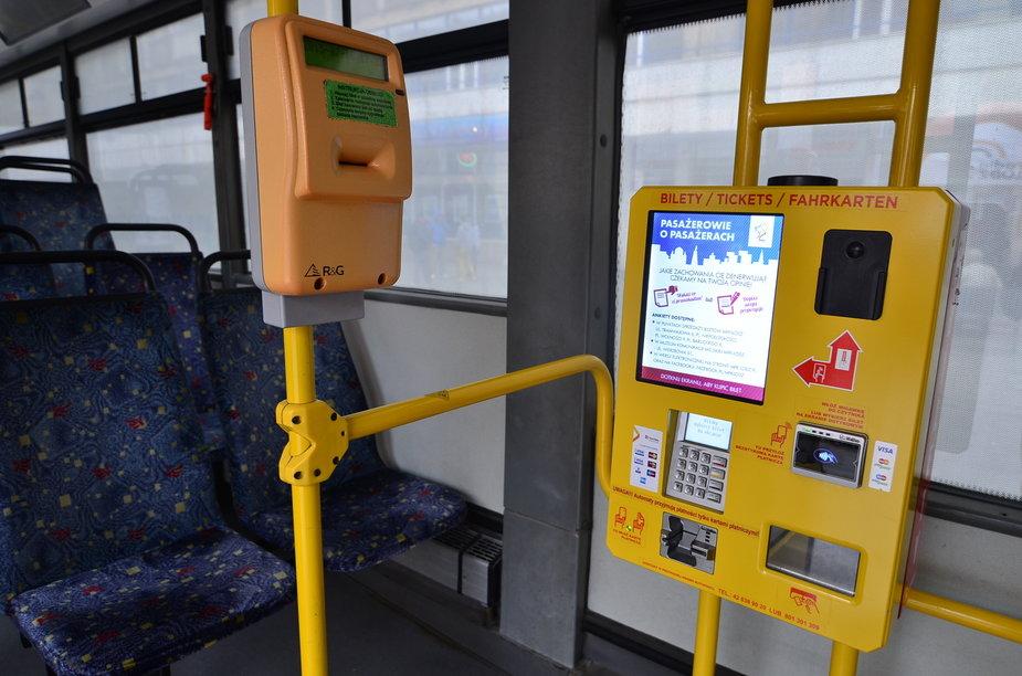 Kasownik i biletomat w autobusie MPK Łódź