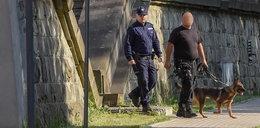 Policja w szpitalu, w którym leży Kaczyński. Co się dzieje?