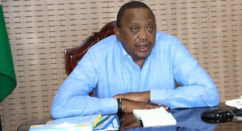 President Uhuru Kenyatta mourns with the family of Kibaki's doctor, Dr Dan Gikonyo