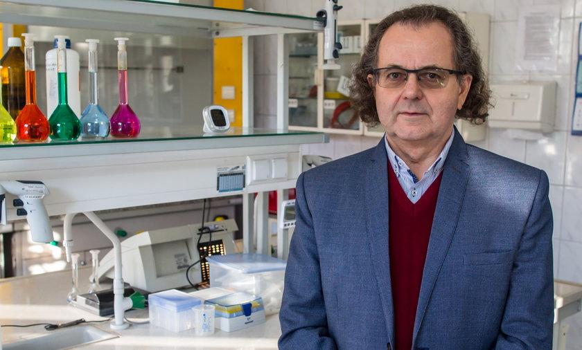 Dr n.med. Andrzej Trybusz mówi o całkowitym zniesieniu obostrzeń.