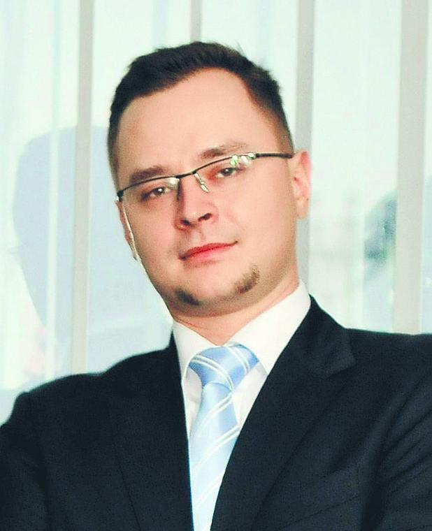 Adam Czerniak ekonomista Polityki Insight