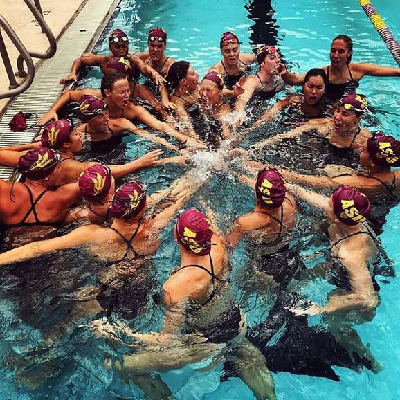 Ivana u plivackom timu Univerziteta