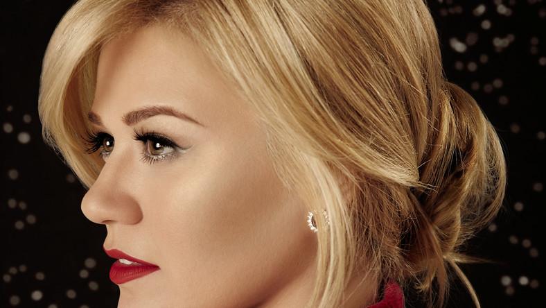 Zobacz Kelly Clarkson pod choinką