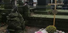 Po publikacji Faktu24 grób Kopiczyńskiego już tak nie wygląda...