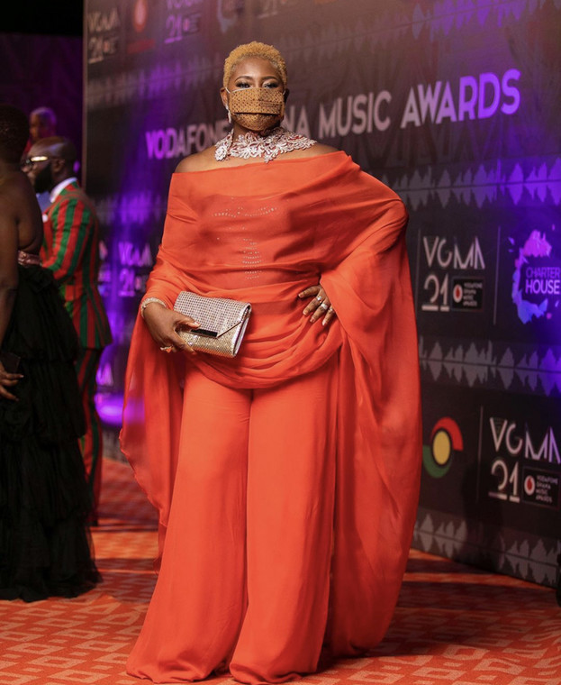 YkZk9kpTURBXy80NzZhY2QwMWE0ODQ5ZmZiNWI3NTc3YTkzMTY1MzM5MS5qcGeSlQLNAxQAwsOVAgDNAvjCw4GhMAE - Yawa! Photos of the worse-dressed celebrities at the VGMA finally out (Photos)