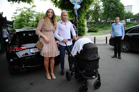 Gogu Sekulić ostavio muž, jer ga je uhvatila U DOPISIVANJU!