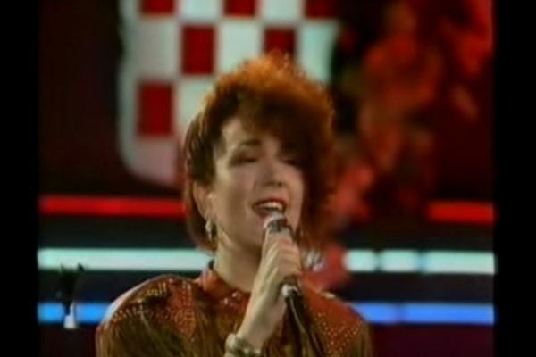 Otpevala je jednu od najlepših pesama, a danas izgleda OVAKO! VIDEO
