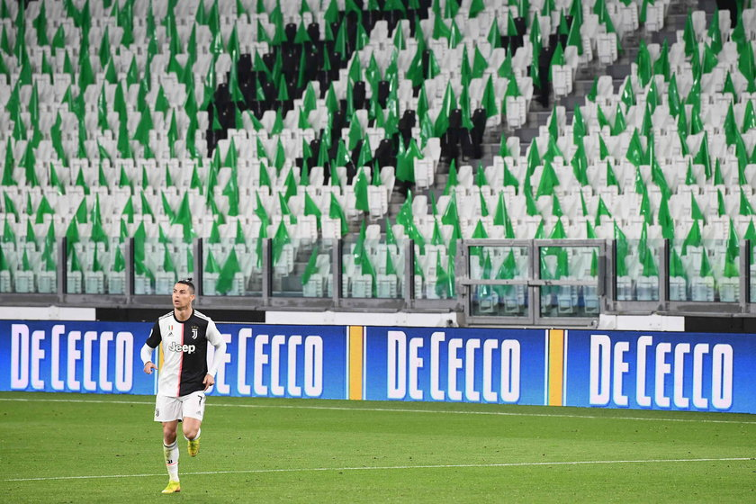 Spotkania w Serie A bez kibiców nawet do końca roku