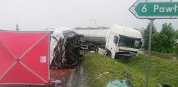 Tragiczne zderzenie busa z cysterną pod Przeworskiem