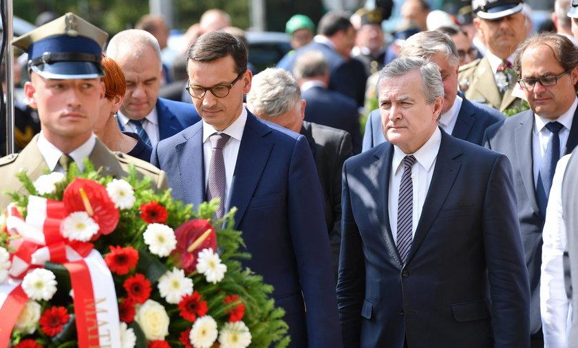 Uroczystości pod pomnikiem Lecha Kaczyńskiego