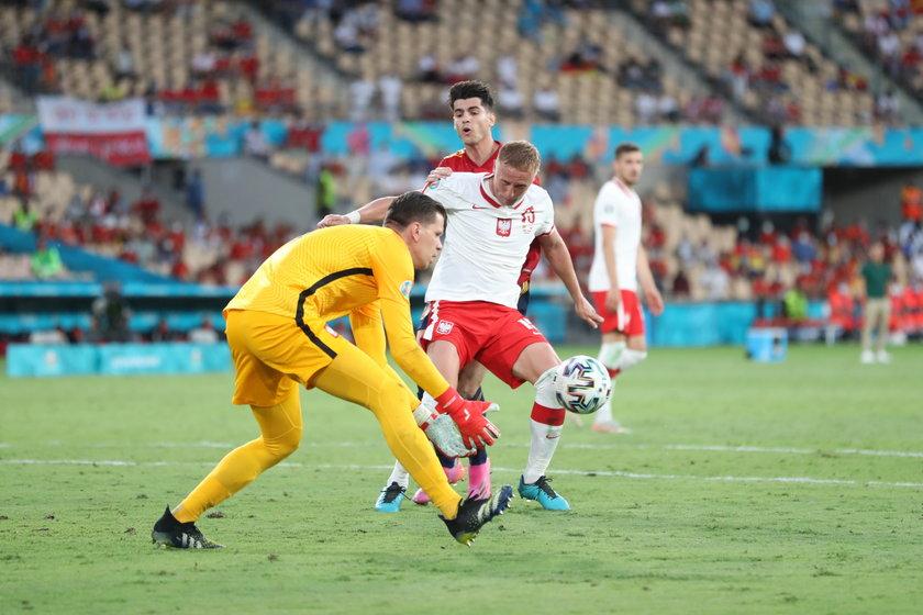 Najpierw Portugalczyk powołał do reprezentacji debiutanta Michała Helika (26 l.), a potem wystawił go w pierwszym meczu eliminacji do mundialu 2022 przeciw Węgrom.