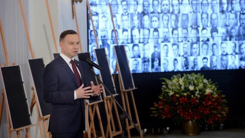 Prezydent Andrzej Duda podczas uroczystości wręczenia not identyfikacyjnych