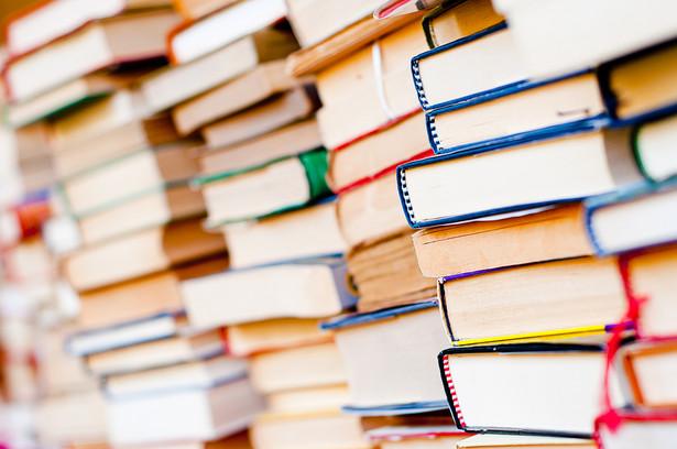 Rząd czeski liczy na to, że nowa ulga przełoży się na wzrost czytelnictwa i spadek cen tamtejszych książek.
