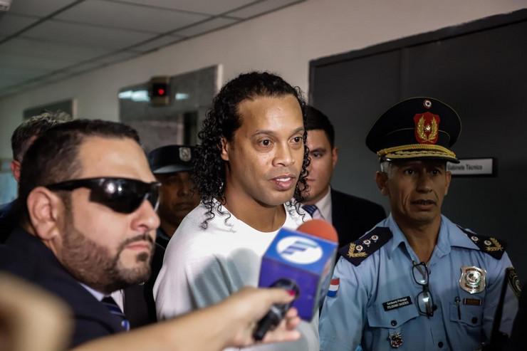 Ronaldinjo je uhapšen u Paragvaju po drugi put