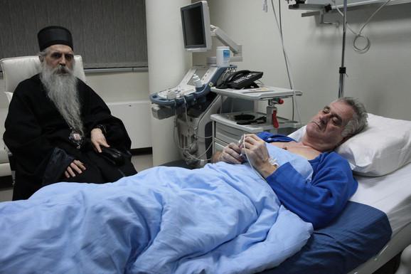 Vladika Irinej je posetio Tomislava Nikolića