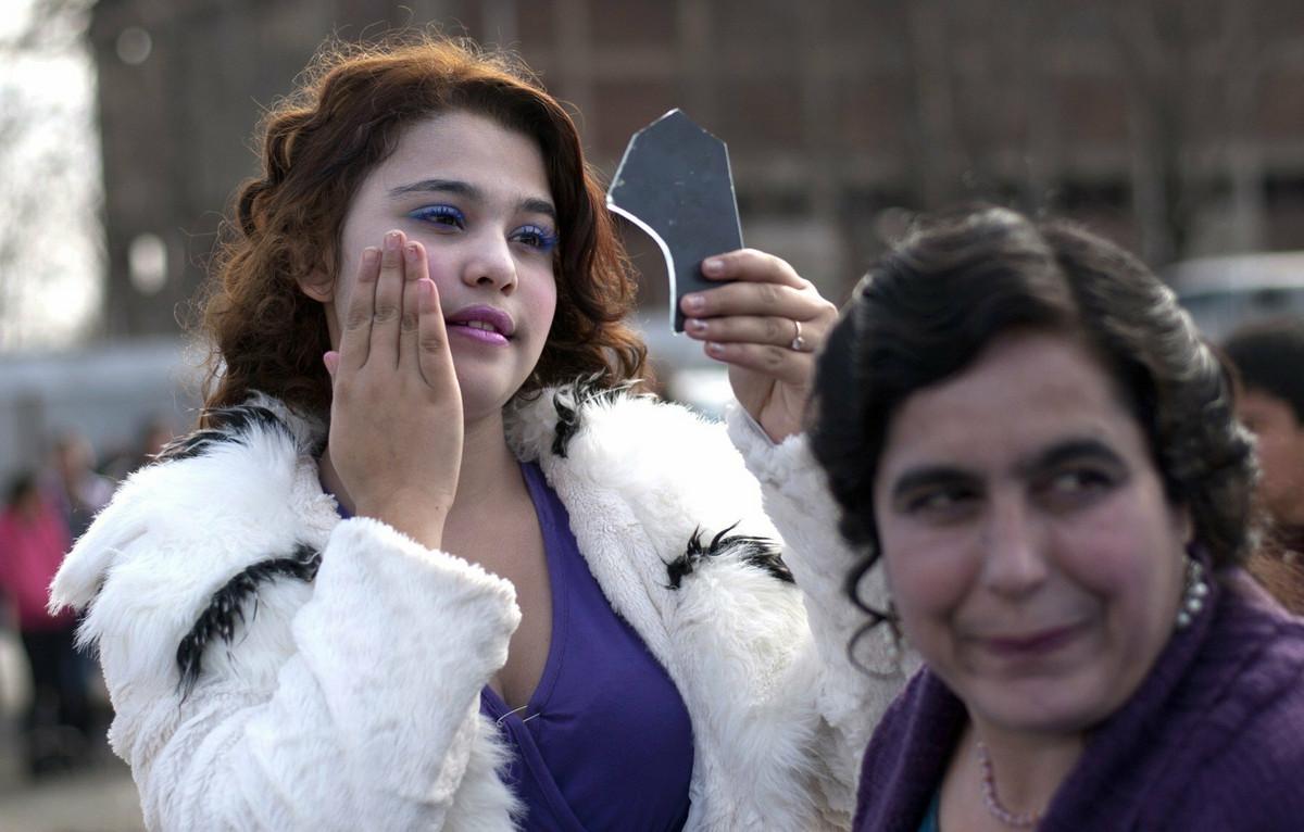 SOKANTNA AUKCIJA Na Balkanu prodaju devojke za udaju NA PIJACI: One se srede, oni razgledaju, a postoji i CENOVNIK (FOTO, VIDEO)