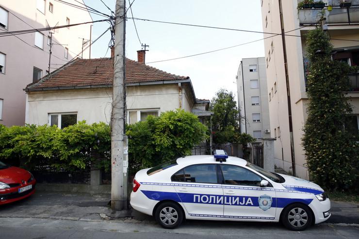 Kuća na Voždovcu u kojoj je žena izbola svog dečka