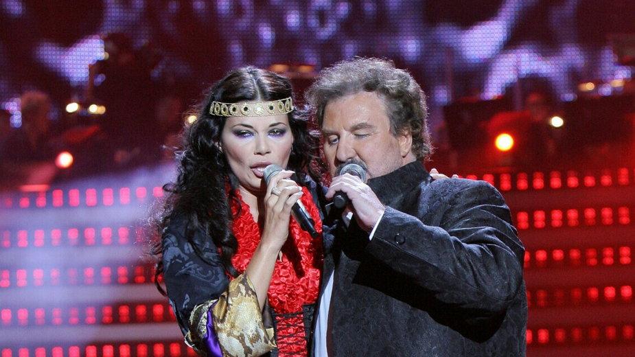 Edyta Górniak i Krzysztof Krawczyk (jubileuszowy koncert z okazji 45-lecia kariery Krawczyka w 2008 r. w Sopocie)