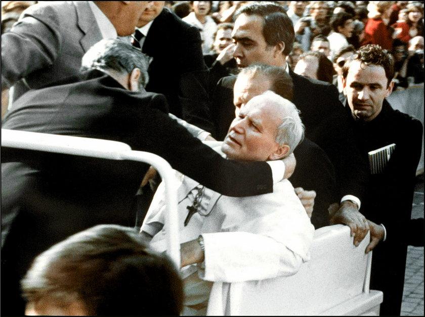 Ranny Jan Paweł II