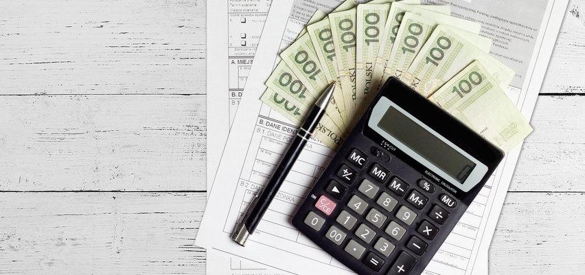 Twój e-PIT. Skąd niedopłata podatku? Do kiedy trzeba wpłacić zaległy podatek?