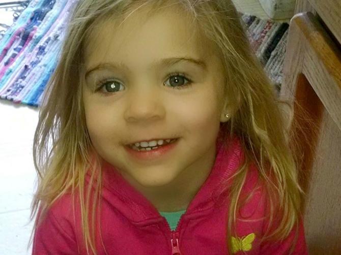 """""""Obratite pažnju na ove simptome dok ne bude kasno"""": Roditelji devojčice upozoravaju na VAŽNU STVAR"""