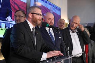 Zachodnie media o wynikach wyborów: 'Polscy nacjonaliści na drodze do utrzymania władzy', 'Konserwatyści wygrali w głęboko podzielonej Polsce'