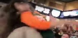 Policjant znokautował fankę piłki nożnej. Szokujący film
