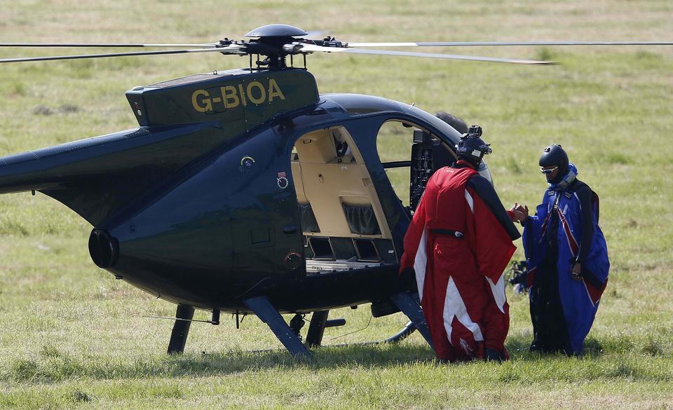 Wyskoczył z samolotu bez spadochronu