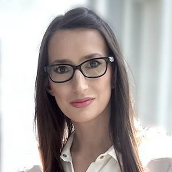 Vera Stevanović objašnjava da život ne treba proživeti kao rob plate