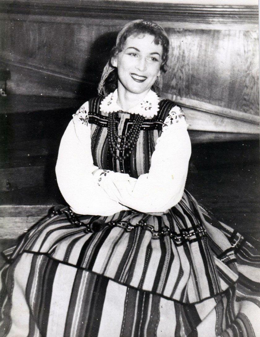 Irena Santor karierę rozpoczynała w Mazowszu
