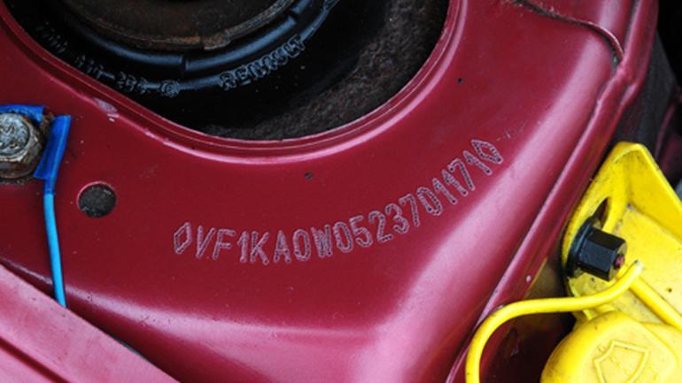 Co ujawni numer VIN: rocznik, silnik, przebieg, serwisy a może wypadek?