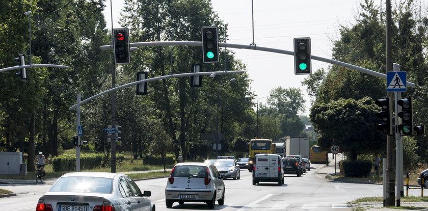 Kierowcy czekająna remont skrzyżowania