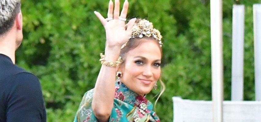 Jennifer Lopez zaliczyła wpadkę na pokazie Dolce & Gabbana. Zapomniała o jednym ważnym elemencie