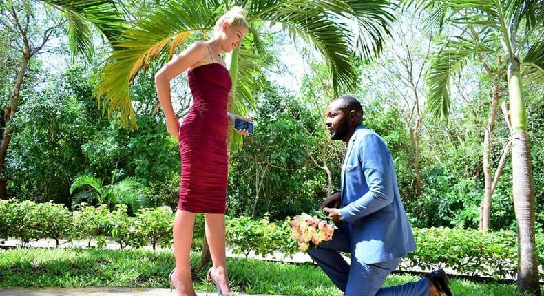 KTN Journalist proposes to Mzungu girlfriend (Chanji/Facebook)