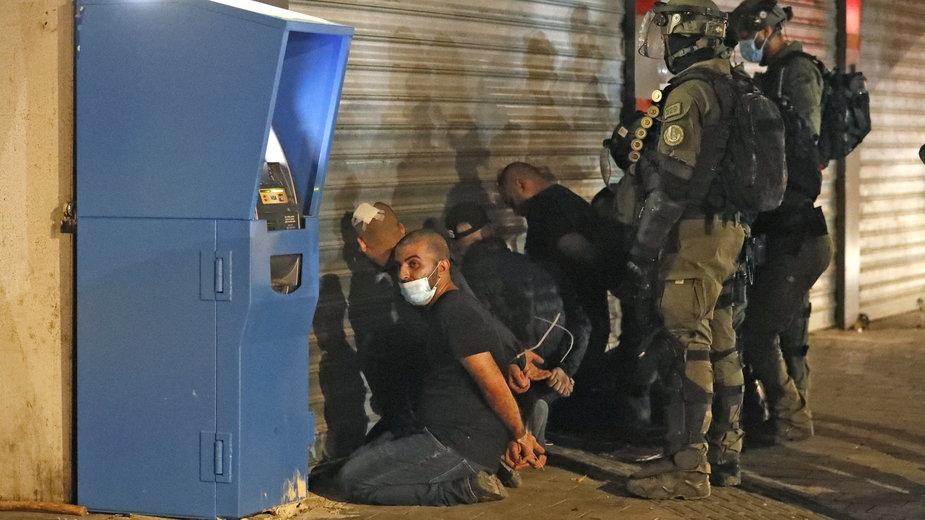 Izraelskie służby zatrzymują arabskich Izraelczyków podczas zamieszek w Lod 13 maja