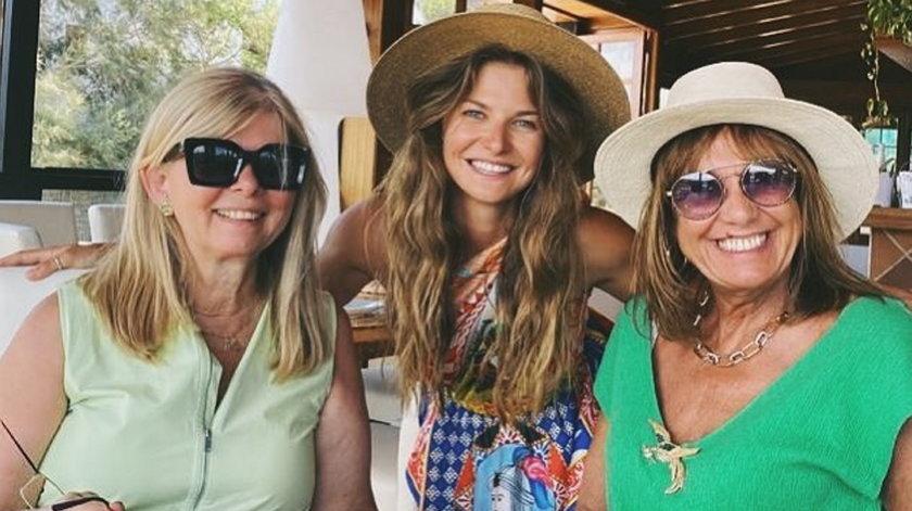 Anna Lewandowska z Marią Stachurską i Iwonę Lewandowską ma kolacji w modnej restauracji na Majorce
