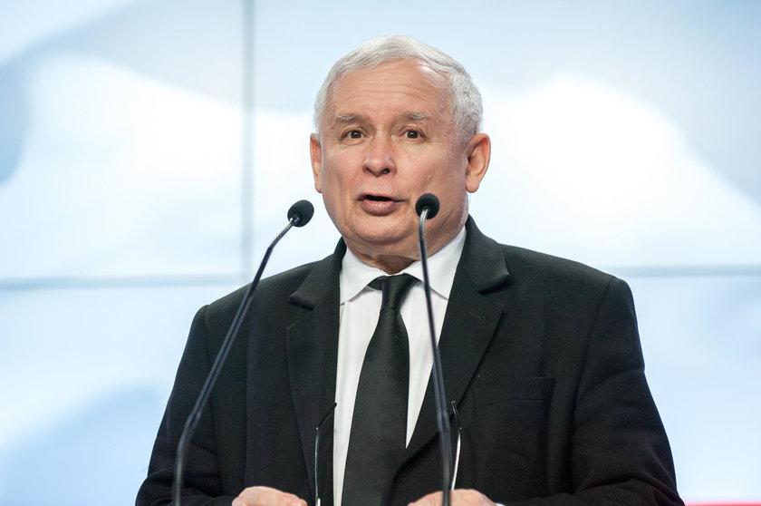 Pomaska zagięła Kaczyńskiego memem! Co na nim jest?
