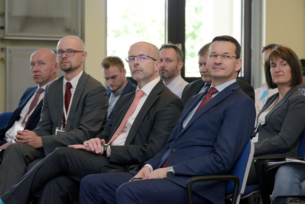 Przedstawiciel resortu finansów odniósł się też do różnic w podatku akcyzowym na mocne alkohole w Polsce i krajach sąsiadujących