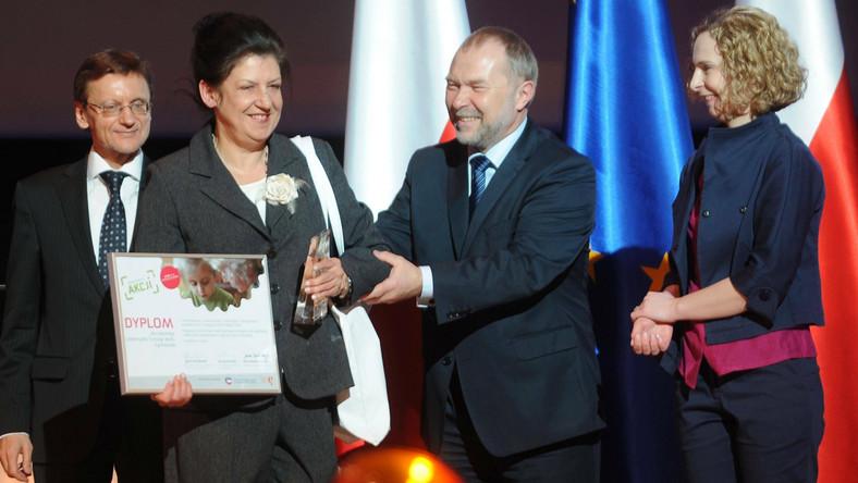 """Wręczenie nagród laureatom konkursu """"Seniorzy w akcji"""""""