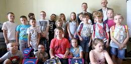 Dzieci dostały szkolną wyprawkę