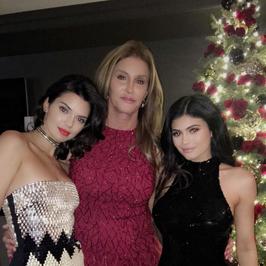 Tak Kardashianowie spędzają Święta. Mają rozmach!