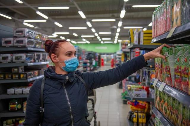 Ograničenje novim merama u vidu radnog vremena ne odnosi se na prodavnice prehrane, trgovinske radnje, trafike