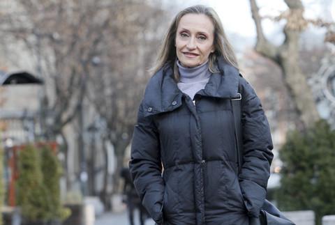 Dobila je ćerku vantelesnom oplodnjom u 52.godini, a evo šta 5 godina kasnije kaže o položaju SAMOHRANE MAJKE!
