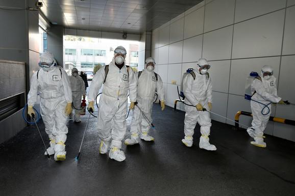 Broj novih slučajeva korona virusa NASTAVLJA DA OPADA: U poslednja 24 sata 889 zaraženih, stručnjaci optimistični